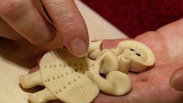 Pečení vánočního cukroví. Ilustrační snímek.