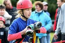 V soutěži O malého Soptíka bojují tradičně dětská hasičská družstva na hřišti v Jabloneckých Pasekách.
