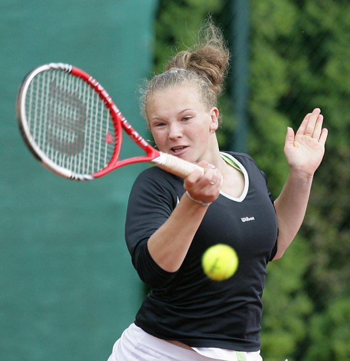 Mezinárodní tenisový turnaj žen Jablonec Cup 2012 vstoupil do hlavní soutěže. Na snímku Kateřina Siniaková z České republiky.