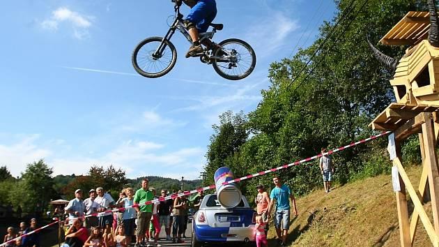 Snímek z loňského, tedy pátého ročníku oblíbeného závodu ve Zlaté Olešnici.