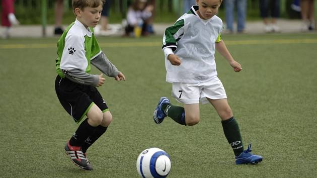 Mladí fotbalisté, kteří v Jablonci bojovali o vítěznou trofej Junior North Cup 2007, každý zápas hráli s maximálním zaujetím.