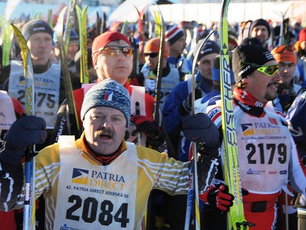 Na startu 42. ročníku se tísnilo přes tři tisíce závodníků. Mezi nimi i Jiří Bulíř (č. 2084) z TJ Broumovská.
