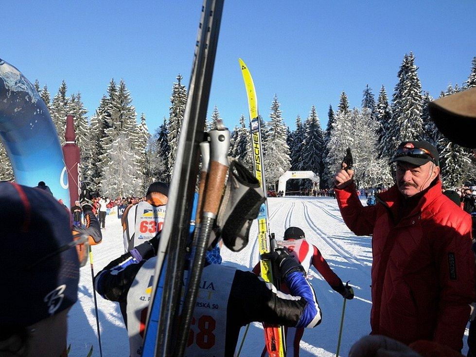 Na start hlavního závodu  42. ročníku Jizerské padesátky na lyžích na 50 km klasickou technikou se v neděli 11. ledna postavil rekordní počet závodníků – 3088.