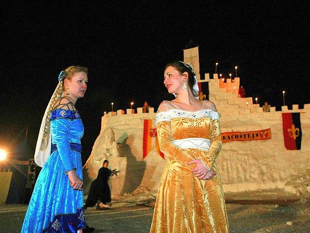 V sobotu 27. února se v Harrachově odehrála každoroční zuřivá bitva o sněhový hrad Harrachštejn.