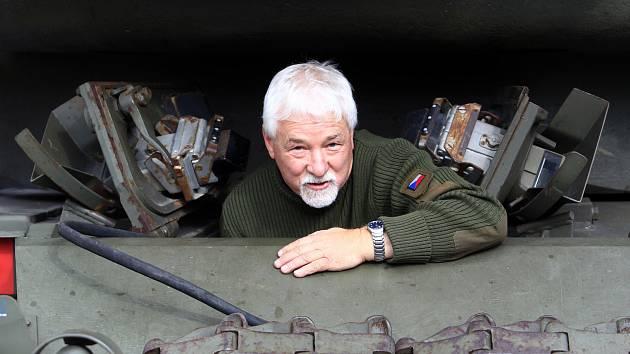 Jaroslav Janoušek, majitel sbírky obrněných vozidel v Muzeu obrněných vozidel Smržovka