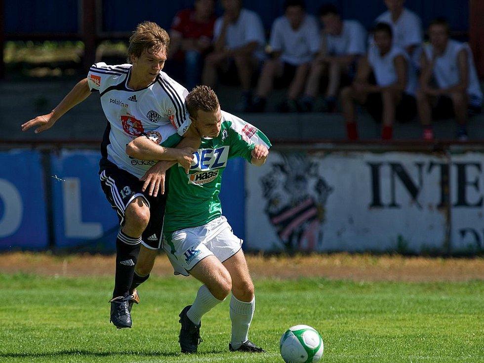 V sobotu dopoledne se ve své generálce na zápasy podzimní části ČFL utkal FK Baumit Jablonec B s divizním FK Hradec Králové B. Jablonečtí poprvé také v utkání vyzkoušeli první africkou posilu Jacque Alaina Elyse Tanoha.