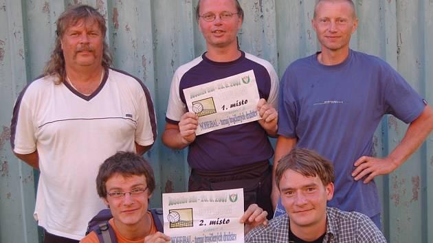 Nohejbalový turnaj trojic ovládli nohejbalisté z Lučan.