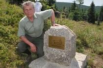 Mezi pamětníky byl při odhalení i šestasedmdesátiletý bývalý lesní technik a později správce toků Lesů ČR v oblasti od Děčína po Semily Pavel Hlaváček.