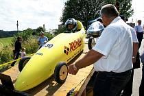 Mistrovství Evropy ve sjezdu minikár - Bozkov 2008. Jan Sejkora na startu třetí jízdy, kdy definitivně potvrdil titul mistra Evropy v prestižní kategorii C4