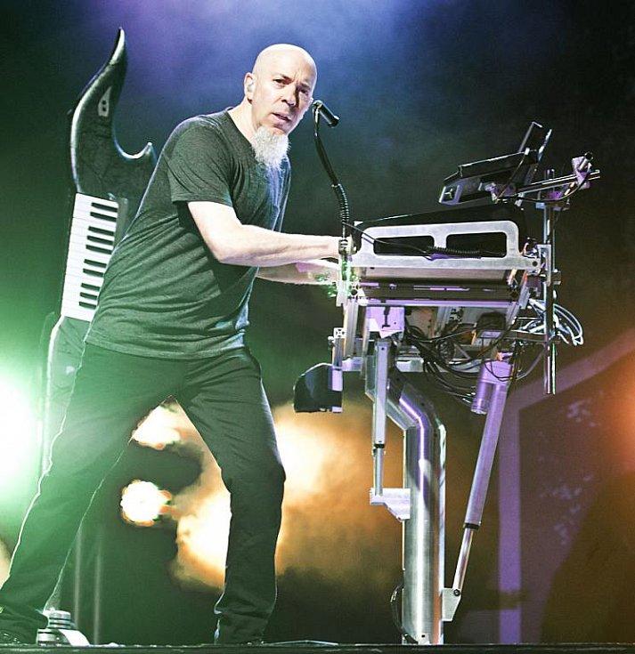 Jordan Rudess, klávesy, Dream Theater.