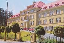 Další díl seriálu Jak jsme žili v Československu. Porodnice Jablonce byla postavena na začátku století.