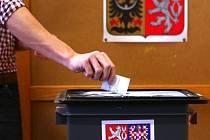 Na 11 středních školách v Libereckém kraji začaly ve středu dvoudenní studentské volby, které pořádá Člověk v tísni. Studenti od 15 let při nich poznají, jak to vypadá při skutečných volbách.
