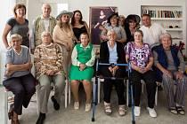 V letních měsících hrálo Studio Hamlet Železný Brod pro starší publikum. Se svým pásmem navštívilo Domy s pečovatelskou službou v Rudné u Prahy, ve Bzí, Železném Brodě a v Semilech.