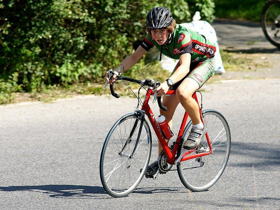 Pojizerská liga cyklistů vyvrcholila již tuto neděli prvním ročníkem Memoriálu Václava Vele. Velice vydařený závod, po loňském nultém ročníku, uspořádal oddíl SSC Železný Brod.