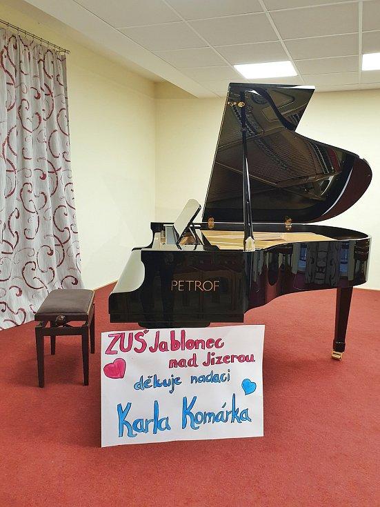 Klavírní křídlo značky Petrof získala mezi velkou konkurencí Základní umělecká škola Jablonec nad Jizerou.
