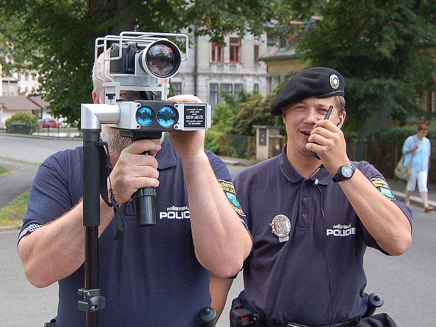 Represivní radar používají od června loňského roku i strážníci MP Desná.