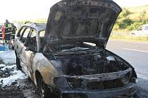 Požár vozidla. Ilustrační snímek.
