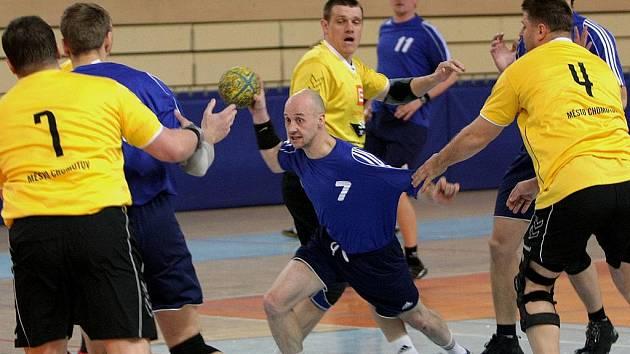 Házenkáři jablonecké Elektro–Pragy hostili další tým potácející se nad propastí sestupu. Hráči Chomutova od samého začátku přesvědčovali, že nechtějí prodat svou kůži lacino.
