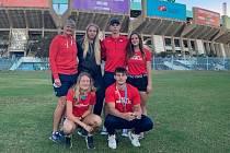 Trenérka Dana Jandová a úspěšní medailisté z MS juniorů.