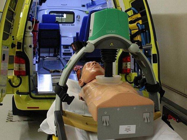 Kzáchraně lidského života významně přispívá efektivní přístroj Lukas. Stojí zhruba 350tisíc korun. Elektrický bateriový přístroj je určený pro zevní nepřímou masáž srdeční. Podle lékařů, je při srdeční masáži lepší, než lidské ruce.