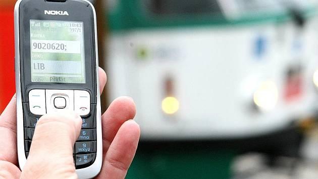 SMS a datové jízdenky.