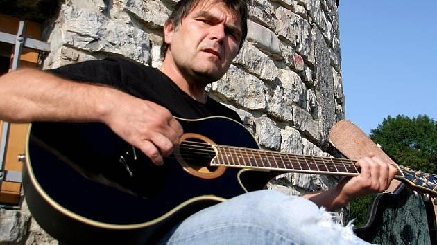Roman Horký ze skupiny Kamelot.