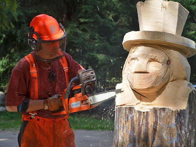 Dřevosochání bude lákat turisty i v budoucnu.