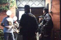 Policisté na diskotékách v Horním Tanvaldu a ve Velkých Hamrech zkontrolovali 260 osob. Osm mladistvých požilo alkohol.