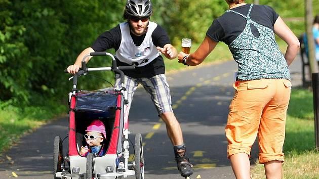 V neděli 20.9. se u jablonecké přehradě jel in-line maraton, soutěž přístupná široké veřejnosti.
