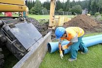 Severočeská vodárenská společnost zahájila výstavbu přivaděče z úpravny vody Souš do Harrachova.