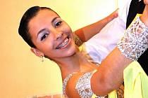 V pořadí již dvanáctý ročník taneční soutěže párů ve standardních a latinskoamerických tancích O cenu studia TOPDANCE se uskutečnil v neděli v sále jablonecké Střelnice. Na snímku Karolína Burešová.