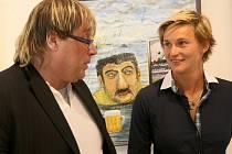 V galerii Belveder v Jablonci nad Nisou je k vidění výstava kreseb a obrazů Petra Urbana a pivního skla. Patronkou výstavy je oštěpařka Barbora Špotáková.
