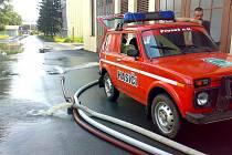 Rýnovická energetická. Vodu odčerpávali členové Sboru dobrovolných hasičů Proseč nad Nisou. Na místě byli s vozidlem CAS 24 Tatra 815 a VEA Lada Niva.