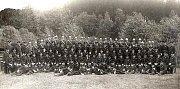 Fotografie z oslav 50. výročí založení dobrovolných hasičů v Tanvaldě z roku 1925.