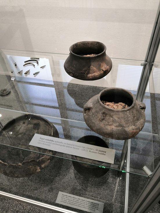 """Cyklus výstav s názvem """"Na poslední cestě"""" odhalí poutavé skutečnosti spojené s pohřebními rituály v průběhu staletí."""