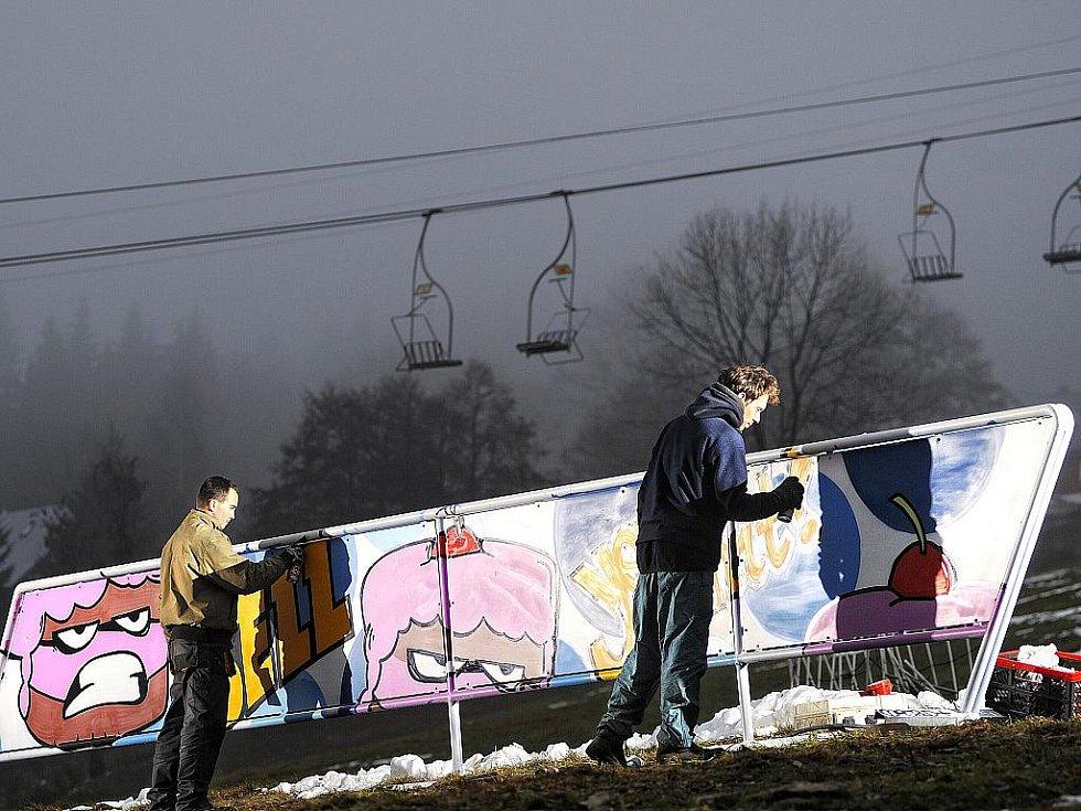 Největší snowpark u nás obohatil svůj image o nový streetartový design od Pasty, předního českého streetart umělce. V Rejdicích tak vlastně najdete galerii pod širým nebem.