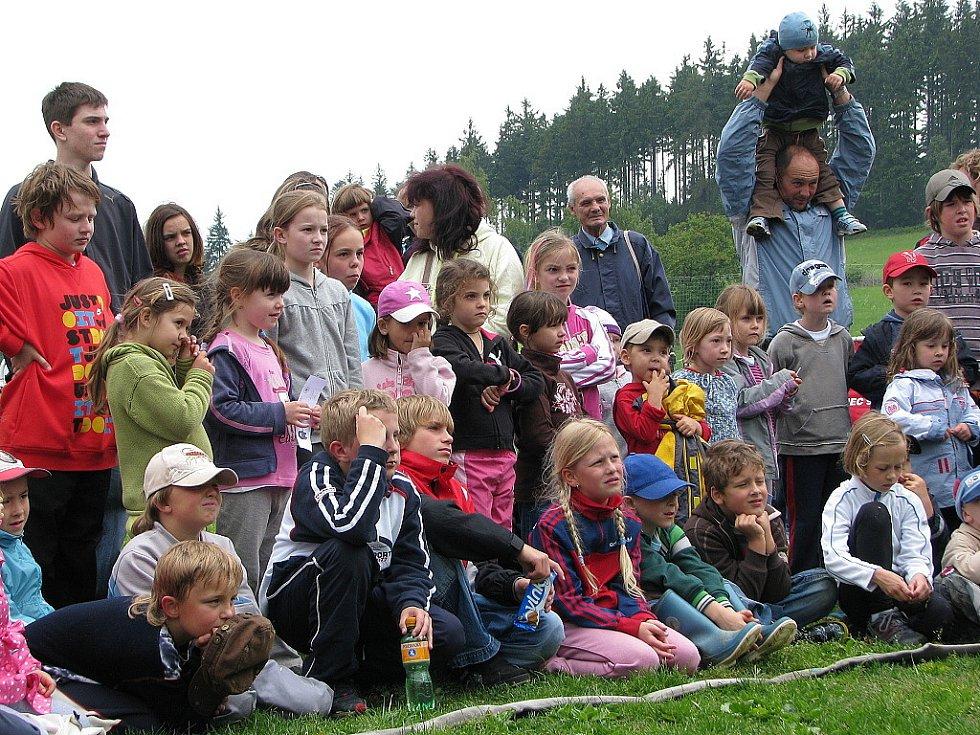 Po sedmé pořádal Jablonecký deník a lučanský útulek Dášenka odpoledne pro děti u příležitosti Mezinárodního dne dětí. Od loňského roku se celá akce už natrvalo přesunula do Lučan nad Nisou, kde je spolupořadatelem město Lučany a místní sportovci.