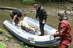 10. června pokračovalo pátrání po muži, který se ztratil hasičům a policiive středu večer v povodňové vlně.  Tělo nalezli machnínští hasiči v těžko dostupných meandrech pod hradem Hamrštejn. Tělo si přebrali policejní potapěči na svůj člun.