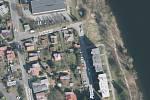 V ulici Pobřežní budou kácet stromy. Na místě vznikne parkoviště