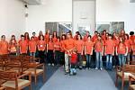 Jako ocenění za zlato na světové olympiádě sborového zpěvu World choir games 2008 vrakouském Grazu, přijal sbor starosta Jablonce nad Nisou Petr Beitl, který mu věnoval 50tisíc korun.