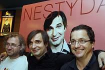 Nestyda. Na snímku zleva režisér Jan Hřebejk, herec Jiří Macháček a spisovatel Michal Viewegh.