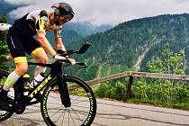 Extrémní triatlonista Martin Vinař uběhl kolem jablonecké přehrady sto kilometrů v rámci premiérové akce  Běh kolem jablonecké přehrady, kterou sám zorganizoval.