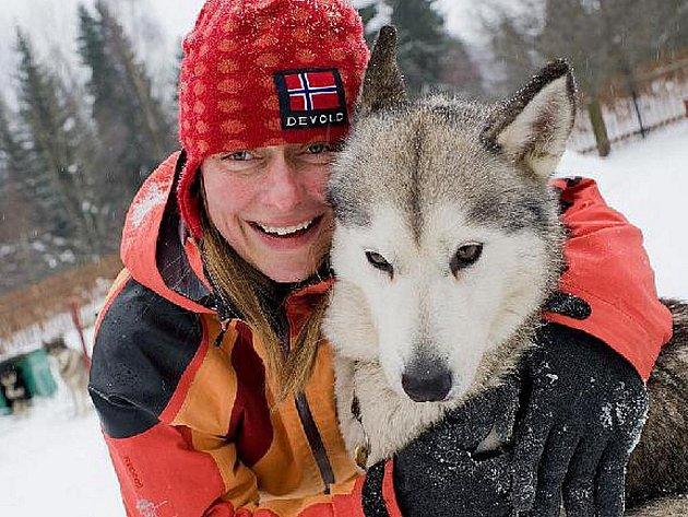 Zimní trénink Jany Henychové před odjezdem na závody psích spřežení Femundløpet, které se pojedou v Norsku na začátku února 2011. Je to závod na 600 kilometrů.