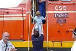Poslední červnovou sobotu vypravila Železniční společnost Tanvald dva páry zvláštních vlaků na ozubnicové trati z Tanvaldu do Kořenova a Harrachova. Pro malé i velké na nádraží v Kořenově hrálo loutkové divadlo Bořivoj.
