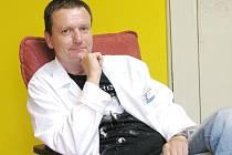 Psychoterapeut Mgr. Petr Moos z Liberce pomáhá obětem srpnových bleskových povodní.