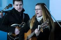Stream koncert kapely FLASTR ze Starokatolického kostela v Jablonci byl na programu letošních Vánoc online v pátek večer.