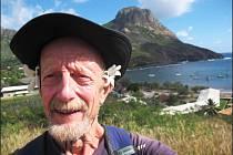 Jaroslav Bernt v době své plavby kolem Země navštívil pláže i hory.