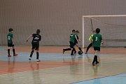 Zimní halové turnaje dávají mladým fotbalistům možnost porovnat si své fotbalové umění s týmy ostatních krajů. Do jablonecké Městské sportovní haly se sjelo osm soupeřů.