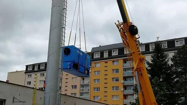 V minulém týdnu společnost navezla společnost Jablonecká energetická kogenerační jednotky do první z kotelen v ulici Boženy Němcové.