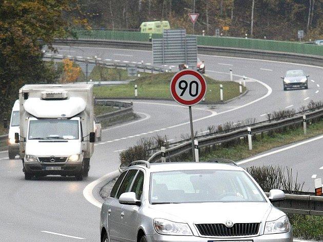Silnice. Ilustrační snímek.
